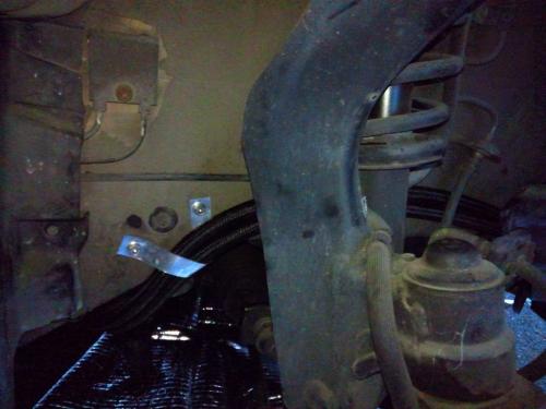 タイヤハウス内配管